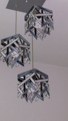 Lámparas de tiras grises