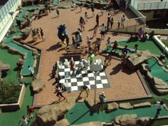 Right in the heart of the holiday action, Durban Sands is situated close to all the best malls, Sun Coast Casino, uShaka Marine World, Greyville Racetrack and Addington Beach. Enjoy city views from the private rooftop leisure deck where guests can take part in swimming, mini golf, squash or a braai with fellow guests and family.