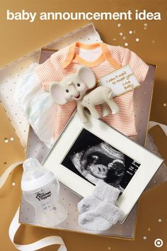 Love this sweet little gift box from baby to their future family.