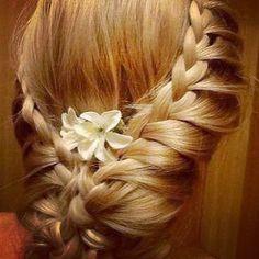 Pretty braid wedding hair