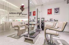 En Arnau Rayó Perruquers rompemos el concepto tradicional de la peluquería más convencional y nos adentramos en el territorio de la belleza.... Horario: De martes a jueves de 9 a 13 h. y de 16 a 20 h. Viernes y sábados de 9 a 13 h. y de 15 a 20 h. Domingo y lunes cerrado. Estamos en calle Asalto nº 6 de sa Pobla, Mallorca. Telf: 971541055  https://www.facebook.com/ArnauRayoPerruquers