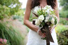 Bouquet de mariée marron vert et blanc