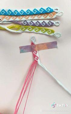 Diy Friendship Bracelets Tutorial, Diy Friendship Bracelets Patterns, Diy Bracelets Easy, Bracelet Tutorial, Handmade Bracelets, Macrame Tutorial, Loom Bracelets, Macrame Bracelets, Macrame Jewelry