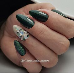 14th February nails, Bright fashion nails, brilliant nails, Dark green nails, Evening nails, Festive nails, Manicure on the day of lovers, Nails ideas 2018