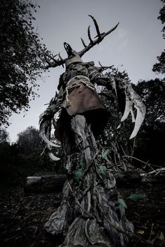 This Leshen Cosplay From The Witcher 3 Is Serious Business