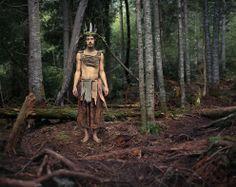"""Benoit Paillé est un photographe canadien basé à Montréal. Cette série de portraits intitulée """"Rainbow family member"""" illustre un mode de vie alternatif au consumérisme et au capitalisme."""