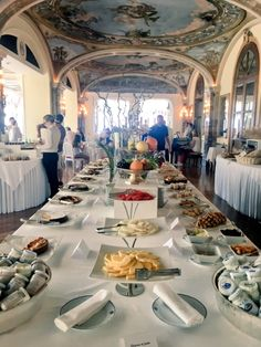 The most blissful start to the day #GrandHotelExcelsiorVittoria #Sorrento #Italy #travel #luxury #view #sea #hotel #luxury #luxurytravel #bluesky #beauty #explore #AmalfiCoast #breakfast #morning #food #foodie