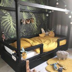 Kid's room decorating ideas, kid's room layout and bedroom colors for kids should be driven by one guiding theme: Fun. Safari Room, Jungle Room, Bedroom Colors, Bedroom Decor, Bedroom Ideas, Bedroom Lamps, Bedroom Lighting, Cool Kids Bedrooms, Modern Bedrooms