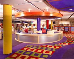 Library Design Associates, Inc. (LDA) provides comprehensive services for the design and execution of public, academic, special and school library interiors–from large university and public facilities to small-town and school libraries. School Library Design, Class Library, Kids Library, Modern Library, Dream Library, School Libraries, Library Ideas, School Reception, Hight Light