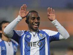 FC Porto Noticias: Ricardo Pereira lidera reserva alargada