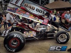 Steve Kinser.Da bomb!!He is amazing in world of outlaws!!