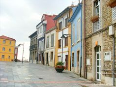lady in black: What to see in Asturias #luanco #spain #asturias #spanielsko #visitspain #visitasturias #traveltips #traveleurope #travel #travelblogging #visiteurope #placestogo #oldtown #placestogo #placestosee #luanco #coast