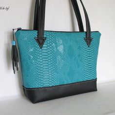 Etsy - Shop for handmade, vintage, custom, and unique gifts for everyone Purse Wallet, Pouch, Sacs Tote Bags, Couture Sewing, Fabric Bags, Quilted Bag, New Bag, Handmade Bags, Purses