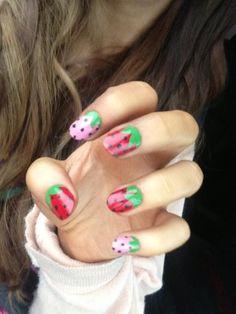 Ariana Grande's strawberry nails