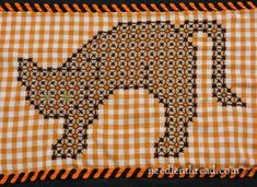 http://www.needlenthread.com/2012/10/gingham-embroidery-black-cat.html