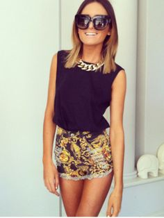 MINKPINK high-waisted shorts outfit <3