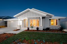 The Stillwater 309 Hamptons, Display Homes in Shoalhaven Cottage Exterior, Dream House Exterior, Exterior House Colors, Exterior Design, Hamptons Style Homes, Hamptons House, The Hamptons, House Construction Plan, Carport Designs
