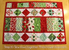 Table Charm 2 Tutorial - Placemats and Table Runner. Need to purchase pattern Table Runner And Placemats, Table Runner Pattern, Quilted Table Runners, Quilt Placemats, Quilted Placemat Patterns, Mug Rug Patterns, Placemat Ideas, Quilt Patterns, Christmas Placemats