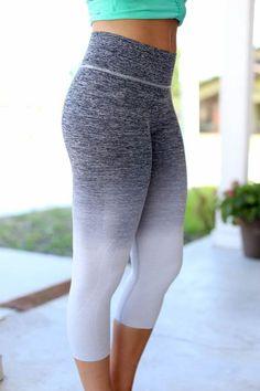 5e5cde1d4e Gradient Nylon Anti-Sweat Mid-Calf Yoga Leggings