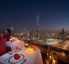 Dine with such romantic view at 42. How does that sound for your Valentine's Day? @ShangrilaDubai #Shangrilahotels #ShangrilaDubai #Dubai #Dinewithaview #romanticdinner #romance #romancewithaview #love #ValentinesDay #HappyValentinesDay Hotels-live.com vi