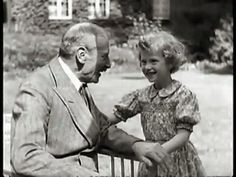Dronning Margrethe og Kong Christian X (Queen Margrethe as a dhild with her grandfather, King Christian) - Very sweet.