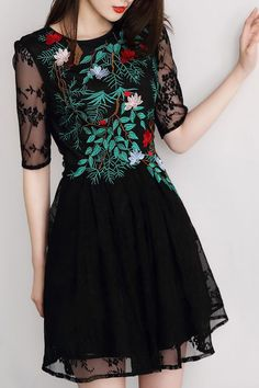 38 Beautiful Embroidered Dress For Women 30 Years - Source by NinaMoriarty - Pretty Outfits, Pretty Dresses, Beautiful Dresses, Beautiful Women, Embroidery Dress, Embroidered Dresses, Mode Style, Neue Trends, Dress To Impress