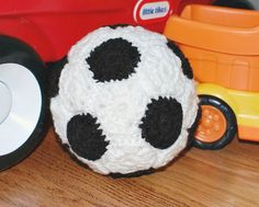 Make this cute soccer ball with Vanna's Choice or Kitchen Cotton - free crochet pattern by Petals to Picots!