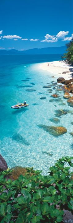 Crystal Clean Water in Fitzroy Island – Queensland