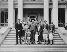 #throwbackthursday #tbt 1929 Pres. Hundley & family on the steps of 110 Langhorne Lane https://flic.kr/p/Dy4dwo |