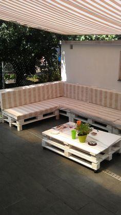 Terrace pallet sofa