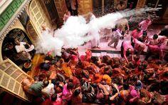 Вчера в Индии начался самый цветной в мире фестиваль — Холи!