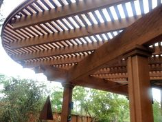 , Pergola ideas DIY backyard - - Pergola De Madera Garage - - Pergola Vines outdoor life There are many items that may lastly entire your backyard, for instance. Diy Pergola, Hot Tub Pergola, Pergola Decorations, Curved Pergola, Retractable Pergola, Steel Pergola, Wood Pergola, Pergola Canopy, Pergola With Roof
