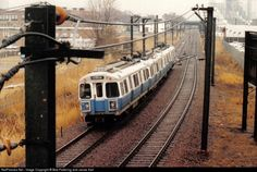 Inbound Blue Line train. These 0600's #4 cars were replaced in 2009 after 30 years of service with a preserved pair going to Seashore Trolley Museum. The Blue Line runs on the old right of way of the Boston, Revere Beach and Lynn Narrow Gauge railroad.