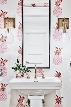 Cool 55 Beautiful Dream Bathroom Design Ideas For Your Home. More at https://trendyhomy.com/2018/06/12/55-beautiful-dream-bathroom-design-ideas-for-your-home/