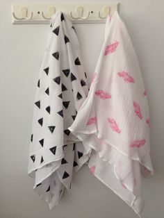 Muslin blankets. DIY Aden and Anais blanket. Cotton gauze blanket. Potato stamp. @cradleandbloom on Instagram.