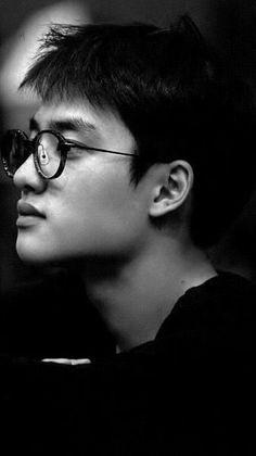 With who are you want next wallpaper? Park Chanyeol, Kris Wu, Kyungsoo, Wattpad, K Pop, Exo Lockscreen, Chansoo, Do Kyung Soo, Kim Junmyeon