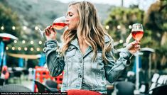 New research suggests binge drinking can make changes to your cells and make you crave alcohol even more. Diet Drinks, Alcoholic Drinks, Keto Wine, Amazon Prime Movies, Luxury Real Estate Agent, Luxury Marketing, Glitter Wine, Wine Cocktails, Keto Cocktails