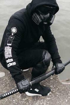 http://urbanflavours.tumblr.com/post/113551824930/admirableco-new-zipped-hoodie-snap-the-world