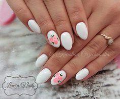 by Karolina Orzechowska, Follow us on Pinterest. Find more inspiration at www.indigo-nails.com #nailart #nails #omg #polish #white #flower