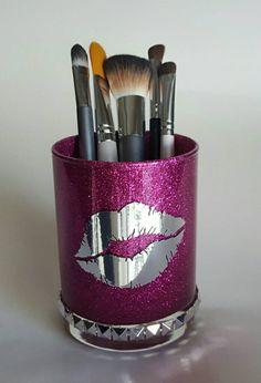 Glitter makeup holder. Pink. Crome lips. Lipstick kiss. metallic. Vanity decor