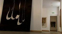 Jusqu'au 9 juin, le Musée Picasso d'Antibes propose une exposition temporaire consacrée à Jean-Charles Blais. Une sélection de 70 oeuvres permet de retracer le cheminement de cet artiste qui fut d'abord associé au courant de la figuration libre. Connu pour ses peintures sur affiches déchirées, il travaille désormais davantage avec l'image numérique.