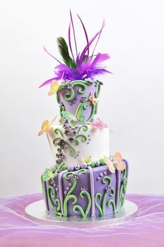 for some strange reason, this cake makes me think of Dr.Seuss. But its fun and wacky and sure to wow!