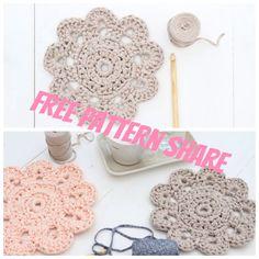Free Zpagetti pattern via http://crejjtion.com/pattern-crochet-doily/