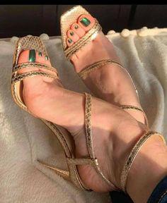 Stilettos, Strappy Heels, Gladiator Sandals, Sandal Heels, Cute Toe Nails, Cute Toes, Hot High Heels, Womens High Heels, Crochet Bodycon Dresses