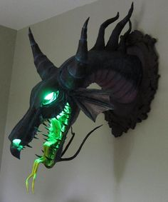 Mount Disney supervillain Maleficent's head on your wall!- Mount Disney supervillain Maleficent's head on your wall! What better trophy than the glowing green noggin of the world& most fearsome villain (Sleeping Beauty& Maleficent) in dragon form? Maleficent Dragon, Disney Maleficent, Maleficent Party, Maleficent Costume, Disney Disney, The Meta Picture, Dragon Head, Dragon Art, Dragon Pics