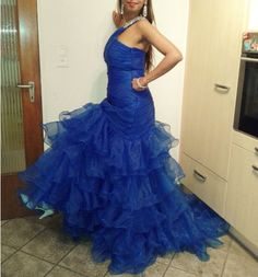 170 USD.Royal Blue Organza Prom Dresses 2017 Mermaid Long Evening Dress for Women Sexy Party Dress One Shoulder Beaded Formal Gowns