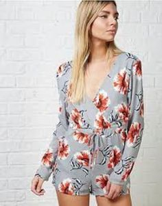 83faa78b04 She Likes By Lucy Watson Lucy Floral Long Sleeved Playsuit UK Size 12 Box45  13 R