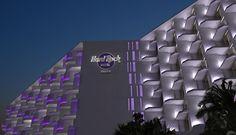 Ad Ibiza, l'isola della movida, brillerà una nuova stella. Il 13 giugno aprirà i suoi battenti l'Hard Rock Hotel. #ibiza #hardrockhotel #hotel #lusso #luxury Hard Rock Hotel Ibiza, Rock And Roll, Stella, Resorts, Rock Roll, Vacation Resorts, Rock N Roll, Beach Resorts, Vacation Places