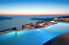 satorini pool and ocean at sunset 620x4121 pic on Design You Trust