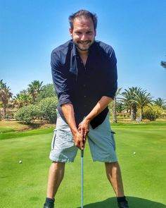 Ladies and gents I present you: the perfect putting position  #TunisiaChallenge #DiscoverTunisia